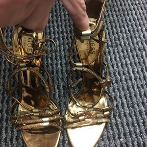 Guess Shoes - Sale⭐️⭐️⭐️Gold or silver guess heals